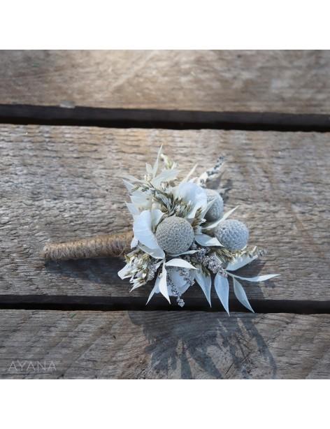 Boutonniere en fleurs stabilisees ravissement