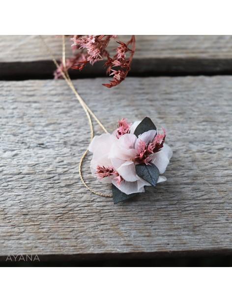 Collier-de-fleurs-eternelles-pauline