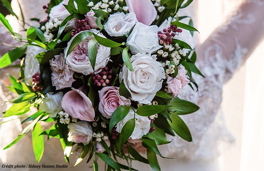 Traditions and symbols: Throwing the bouquet